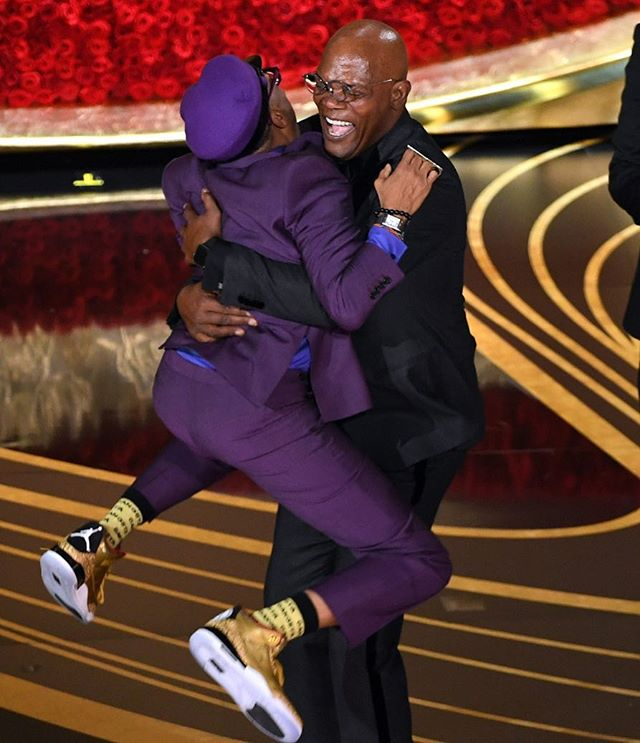 #FriendshipGoals 😍 congrats @officialspikelee on your first (& long overdue) #Oscar win!
